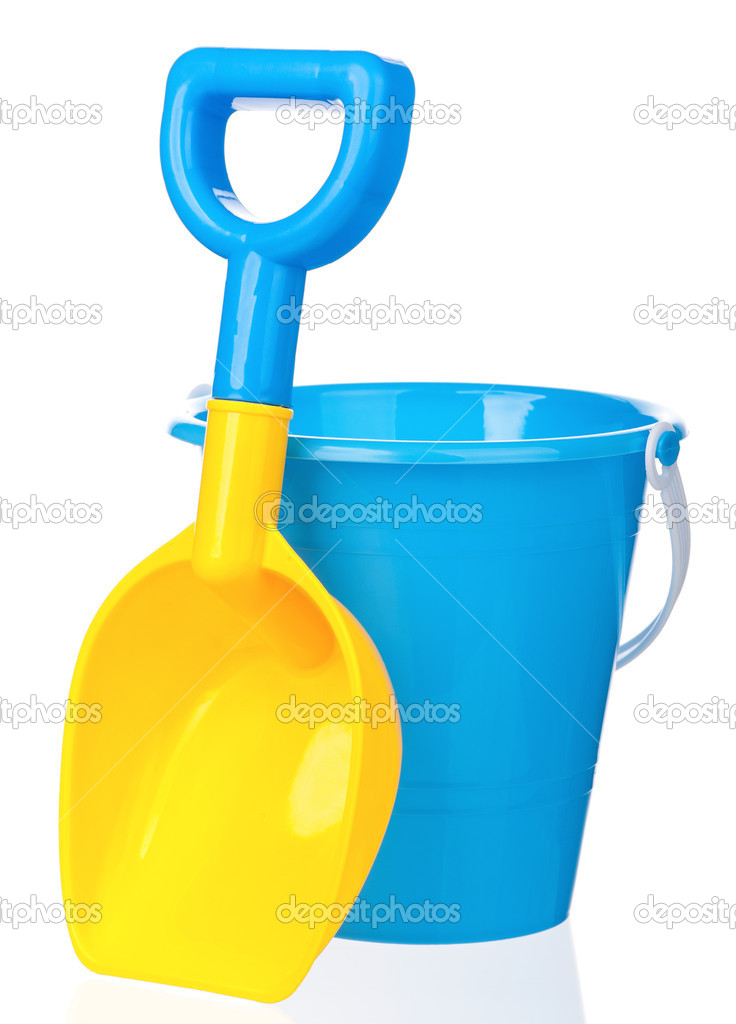 Toy bucket and spade isolated on white background — Stock Photo #13273353