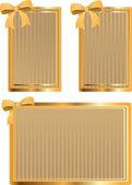 Vektor uppsättning guld taggar med rosett — Stockvektor