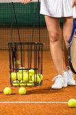 Kadın oyuncu eğitim tenis — Stok fotoğraf