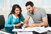 Couple is considering future apartment design — Stockfoto