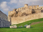 Fortification of Spissky Castle before sundown — Stockfoto