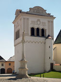 Bell tower and Marian column in Spisska Sobota — Stock Photo
