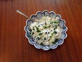 Yoğurt salatalık cajik raita — Stok fotoğraf