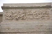 Frieze sculpture of Roman battle against the Gauls, — Stock Photo