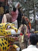 Hindu shaman priests swallow fire — Stock Photo