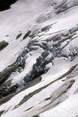 Heavily crevassed glacier and icefall — Stock Photo