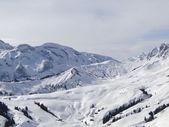 Hög alpina skidområde i franska Alperna — Stockfoto