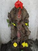 Guardian spirit protecting entrance of Shiva temple — Stock Photo