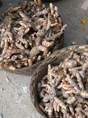 Turmeric roots for sale — Stock Photo
