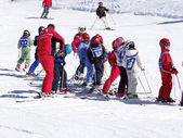 French children form ski school groups — Photo