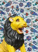 Hindu temple lion — Stock Photo