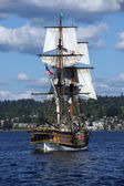 The wooden brig, Lady Washington, sails on Lake Washington — Stock Photo