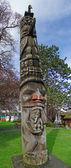 Totem pole, esculpida em cedro — Foto Stock