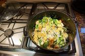 Stir frying tofu and bok choy — Stock Photo