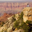 Woman photographerat the South Rim — Stock Photo