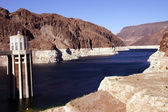 Towers and turbines on Hoover Dam — Stock fotografie