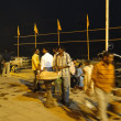 Peoeple gather on ghats in cool evening — Stockfoto #37981309