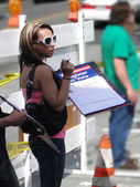 Young woman registers new voters — Stock Photo