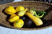 Abacate, pimentão verde e abóbora amarela — Fotografia Stock