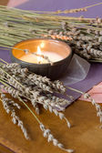 свечи и лаванды — Стоковое фото