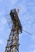 Tower mit antennen der zellulären — Stockfoto