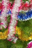 Boules de noël sur l'arbre — Photo