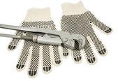 Kirli deri eldiven ve i̇ngiliz anahtarı — Stok fotoğraf