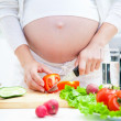 Pregnancy and cooking — Stock Photo