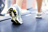 Running in gym — Stockfoto