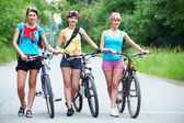 Dziewczyny na rowery — Zdjęcie stockowe
