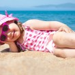niña en la playa — Foto de Stock