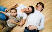 Bir katta aile — Stok fotoğraf