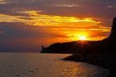Восход солнца по морю. — Стоковое фото