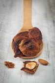 фрукты сушеные инжир с миндалем — Стоковое фото