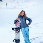 dziewczyna snowboardzista — Zdjęcie stockowe