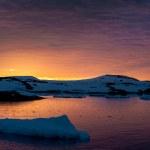 Summer sunset in Antarctica — Stock Photo