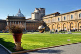 Interior courtyard of Vatican — Stock Photo