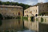 Old thermal baths in Bagno Vignoni — Stock Photo