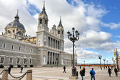 Cathedral La Almudena in Madrid — 图库照片