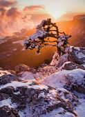 Sunset in high mountains — Stock Photo