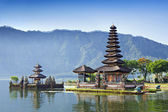 Ulun temple danu — Photo
