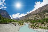 Piękny krajobraz w himalajach — Zdjęcie stockowe