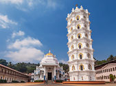 Shri Mangeshi temple — Stock Photo