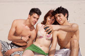 Friends in the beach — Stock Photo