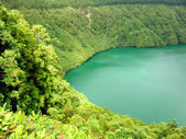 Hiden lake of sao goncalo in azores — Stock Photo