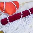 Red heart, gift case and beads from pearls — Foto Stock