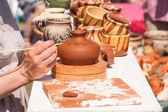 Malarstwo naczynia gliniane — Zdjęcie stockowe