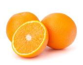 φέτες πορτοκάλι τμήματα που απομονώνονται σε λευκό φόντο — Φωτογραφία Αρχείου