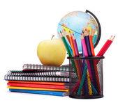 Küre, not defteri yığını ve kalem. çuval ve öğrenci studi — Stok fotoğraf