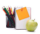 Leere notebook blatt und apple. — Stockfoto